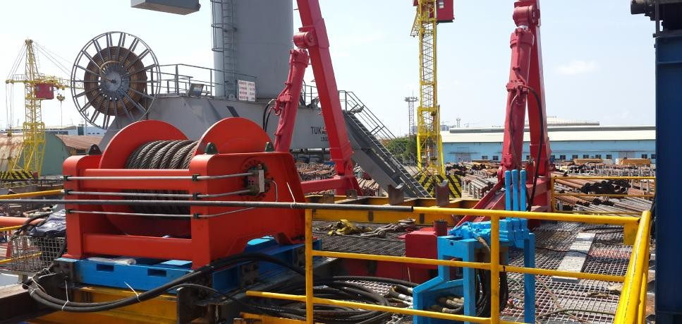 Noticeable Features of Hydraulic Winches - Offshore Lifting Equipment Service