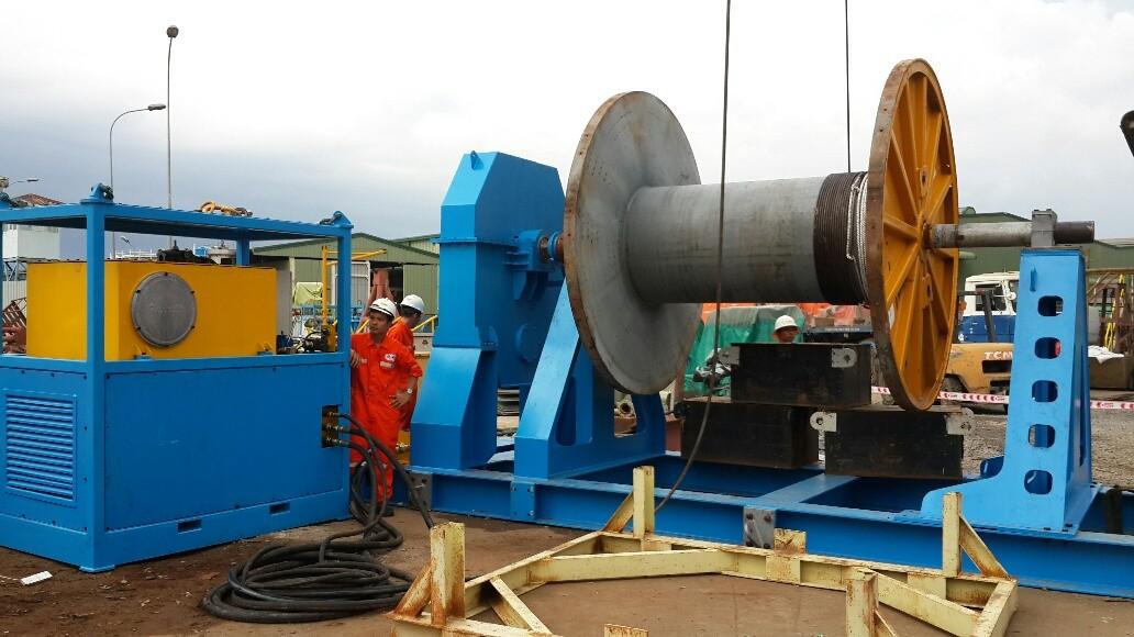 Tời thủy lực Oles  căng cáp 50 tấn